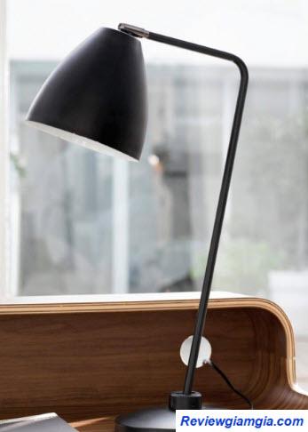 Đèn bàn làm việc chất lượng tốt giúp bảo vệ mắt