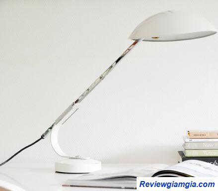 Đèn bàn led giúp tiết kiệm điện