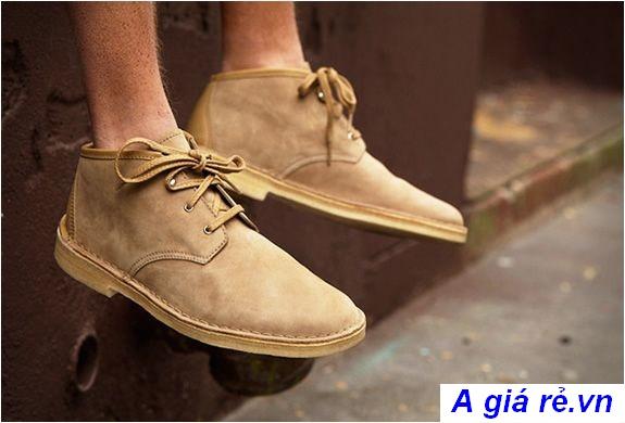 Giày chukka boots