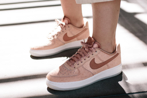 Giày thể thao nữ Nike Air Force 1