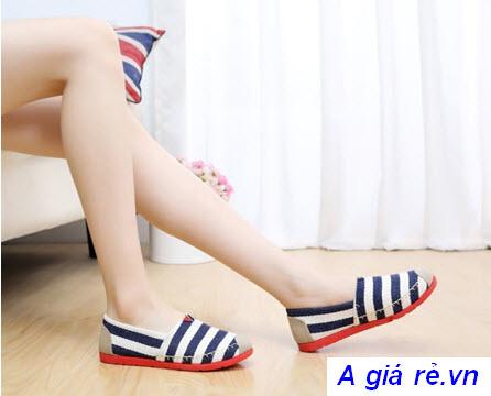 Giày lười nữ sọc