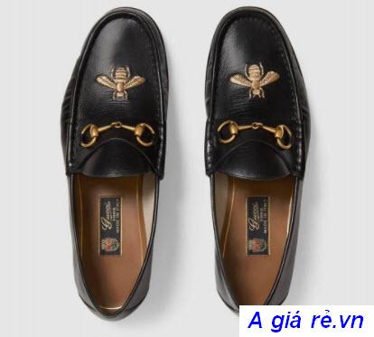 Giày lười nữ thêu họa tiết ong