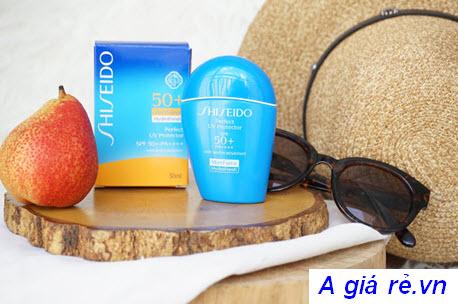 Kem chống nắng Shiseido Wetforce màu xanh