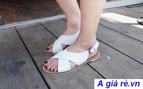 Giày sandal nữ quai bản to