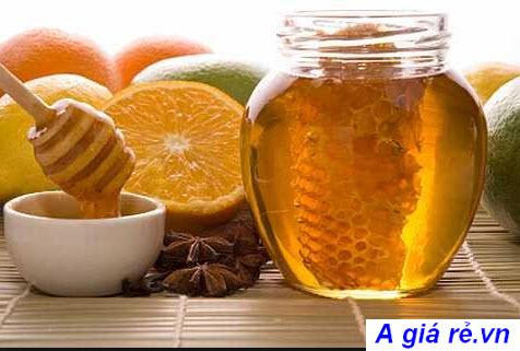 Mật ong và chanh trị viêm họng
