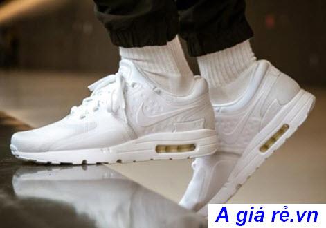 Giày thể thao nữ nike màu trắng
