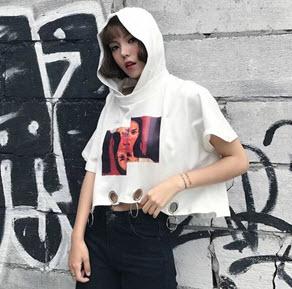 Áo hoodie nữ ngắn kiểu crop-top