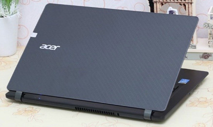 Laptop Acer Aspire ES1-533