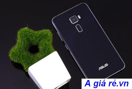 Mặt sau chiếc điện thoại Asus Zenphone 3