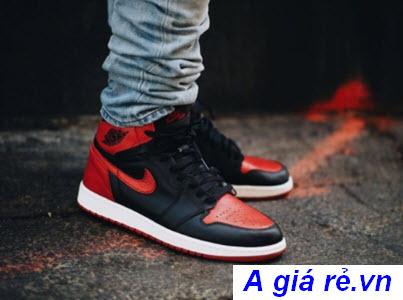 Giày Nike nam Air Jordan 1 Bred
