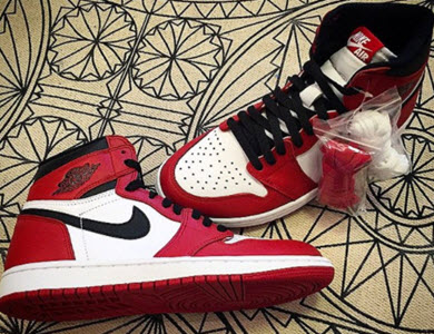 Giày Nike nam Air Jordan 1 Chicago Bulls