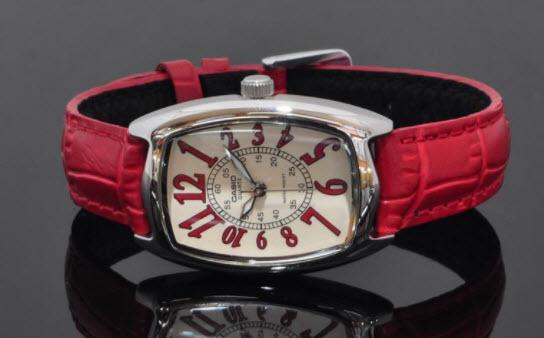Đồng hồ nữ dây da Casio đỏ