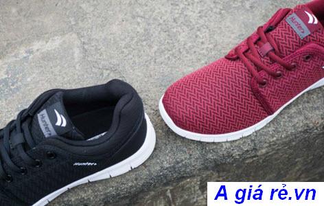 Hai phối màu của đôi giày Biti's Hunter Feast