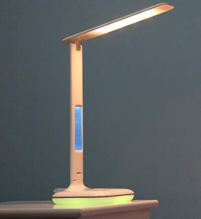 đèn để bàn remax