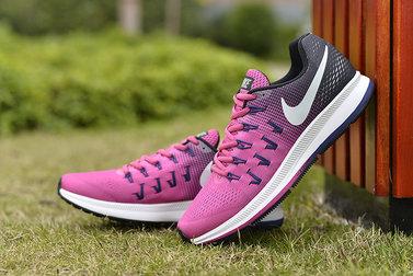 Giày Nike nữ màu hồng phối đen