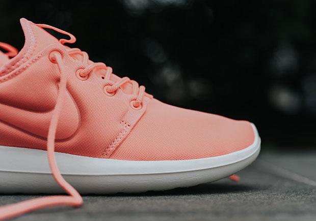 giày nike nữ roshe run hồng