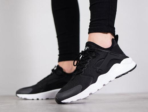 Giày Nike Air Hurache Nữ
