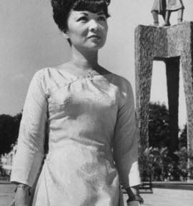 Áo dài bà Nhu