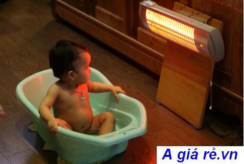 Đèn sưởi nhà tắm tốt cho bé