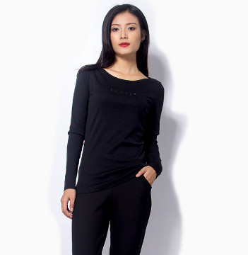 Áo thun đen tay dài nữ đẹp