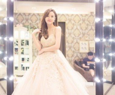 Đầm xòe công chúa Midu đẹp