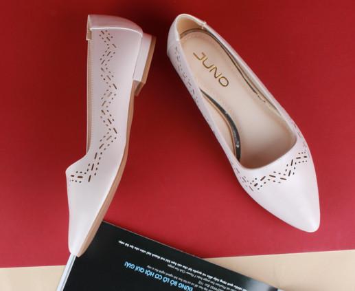 Giày búp bê của Juno
