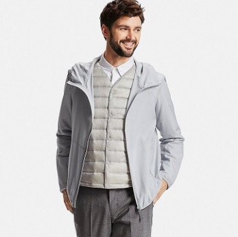 Áo khoác gió Uniqlo màu xám