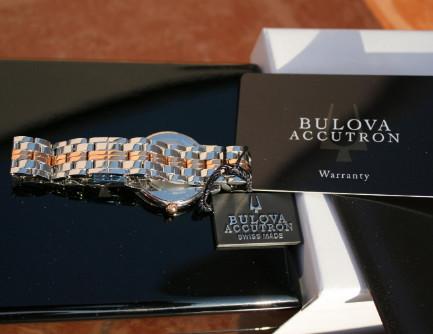 Đồng hồ Bulova thật giả