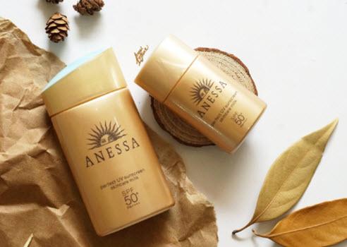 giá kem chống nắng shiseido
