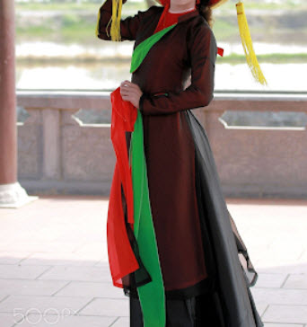 Áo dài tứ thân truyền thống