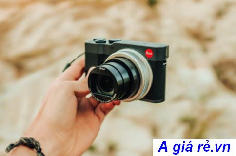 Nên mua máy ảnh du lịch nào?