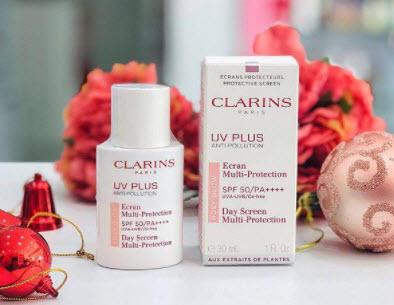 Kem chống nắng Clarins màu hồng