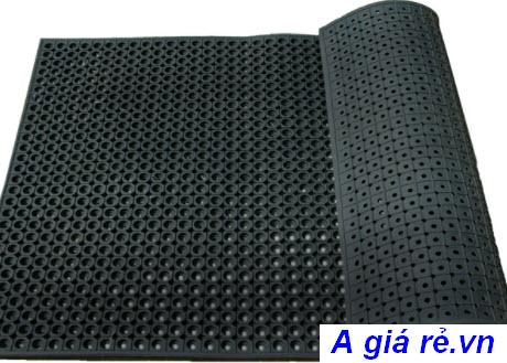 Thảm cao su trải sàn màu đen