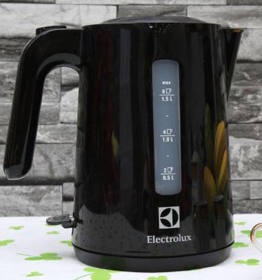 Ấm siêu tốc Electrolux EEK3200