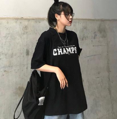 Áo phông nữ tay lỡ màu đen