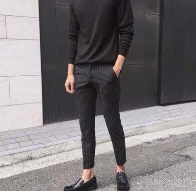 Áo thun đen cổ lọ tay dài