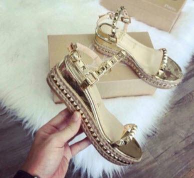 Giày Louboutin nữ