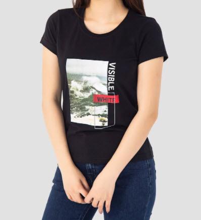 Phối quần bò với áo phông nữ