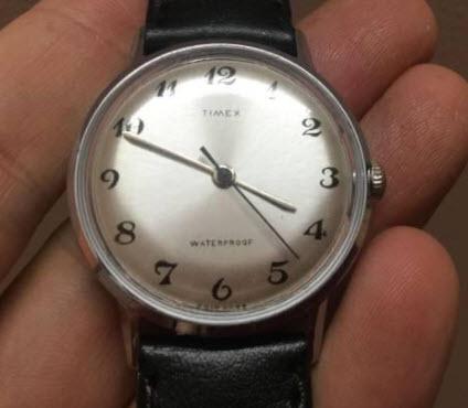 Đồng hồ Timex cơ cổ