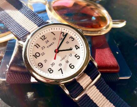 Đồng hồ Weekender hiệu